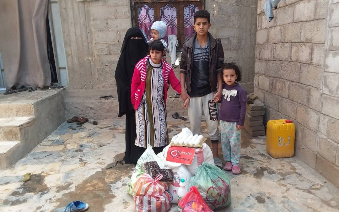 Reparto alimentos familias desplazadas en Yemen, agosto 2020