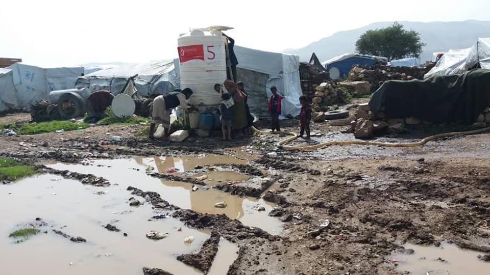 Agua Para Yemen Arhab Campo Desplazados