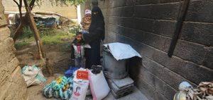 familias que reciben comida en Yemen