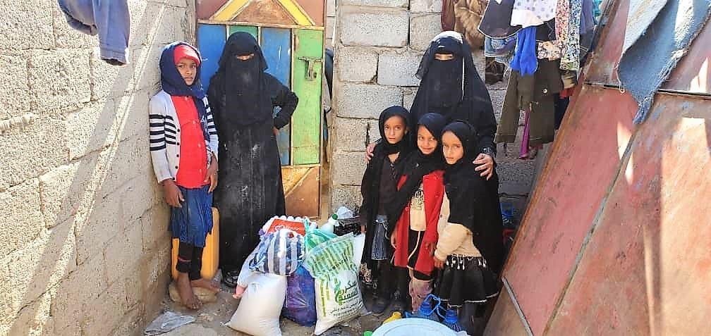 seguimos ayudando a las familias en Yemen