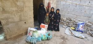 repartimos packs de comida en Yemen
