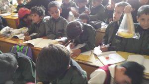 reparto desayunos en escuela 2, Yemen