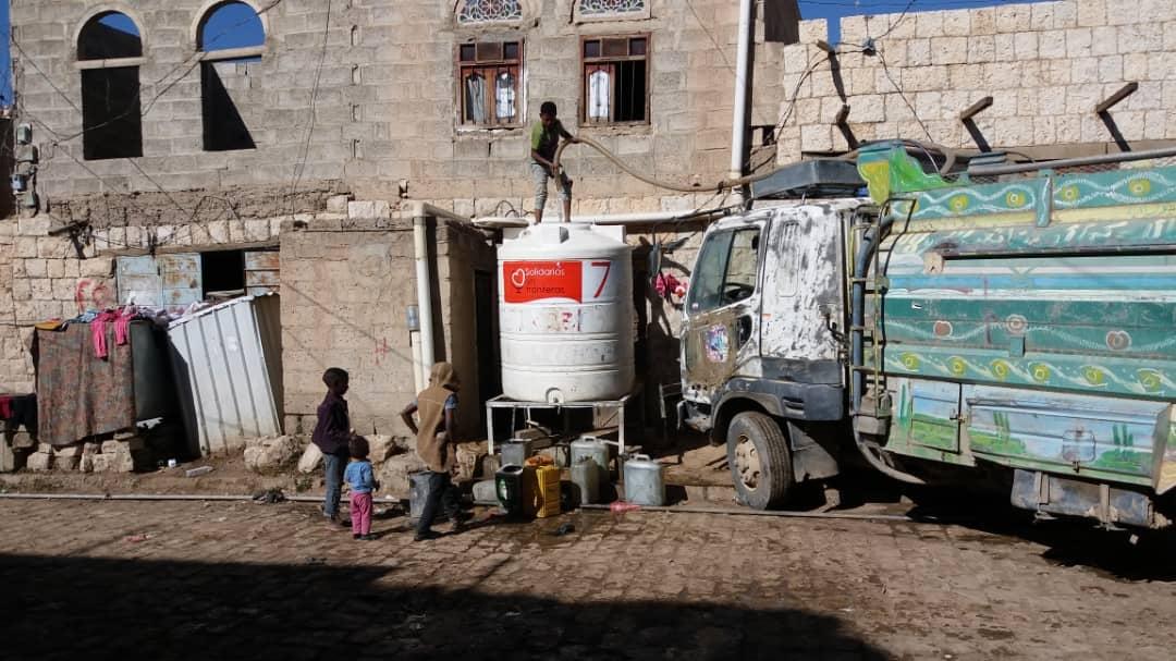 agua fuente de vida en Yemen