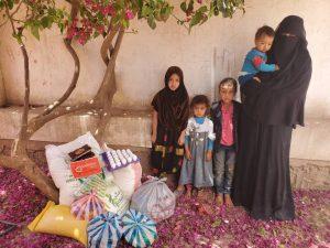 Repartimos packs de alimentos para las familias en Yemen