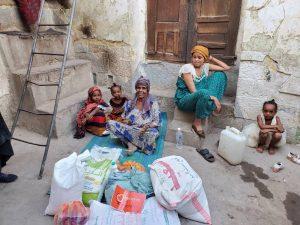 Reparto alimentos en Yemen