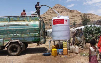 Agua para los desplazados en Yemen