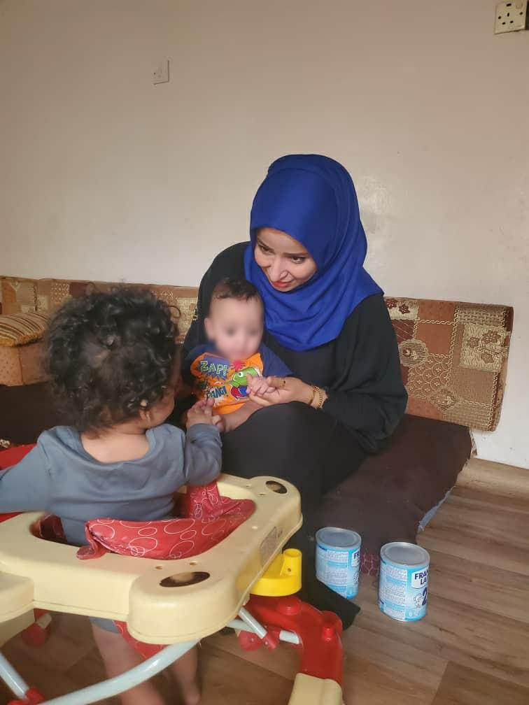 Faten con los trillizos, Yemen